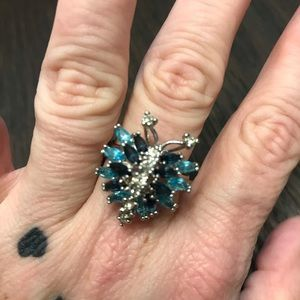 VINTAGE BUTTERFLY RING MARKED 18KT HGE